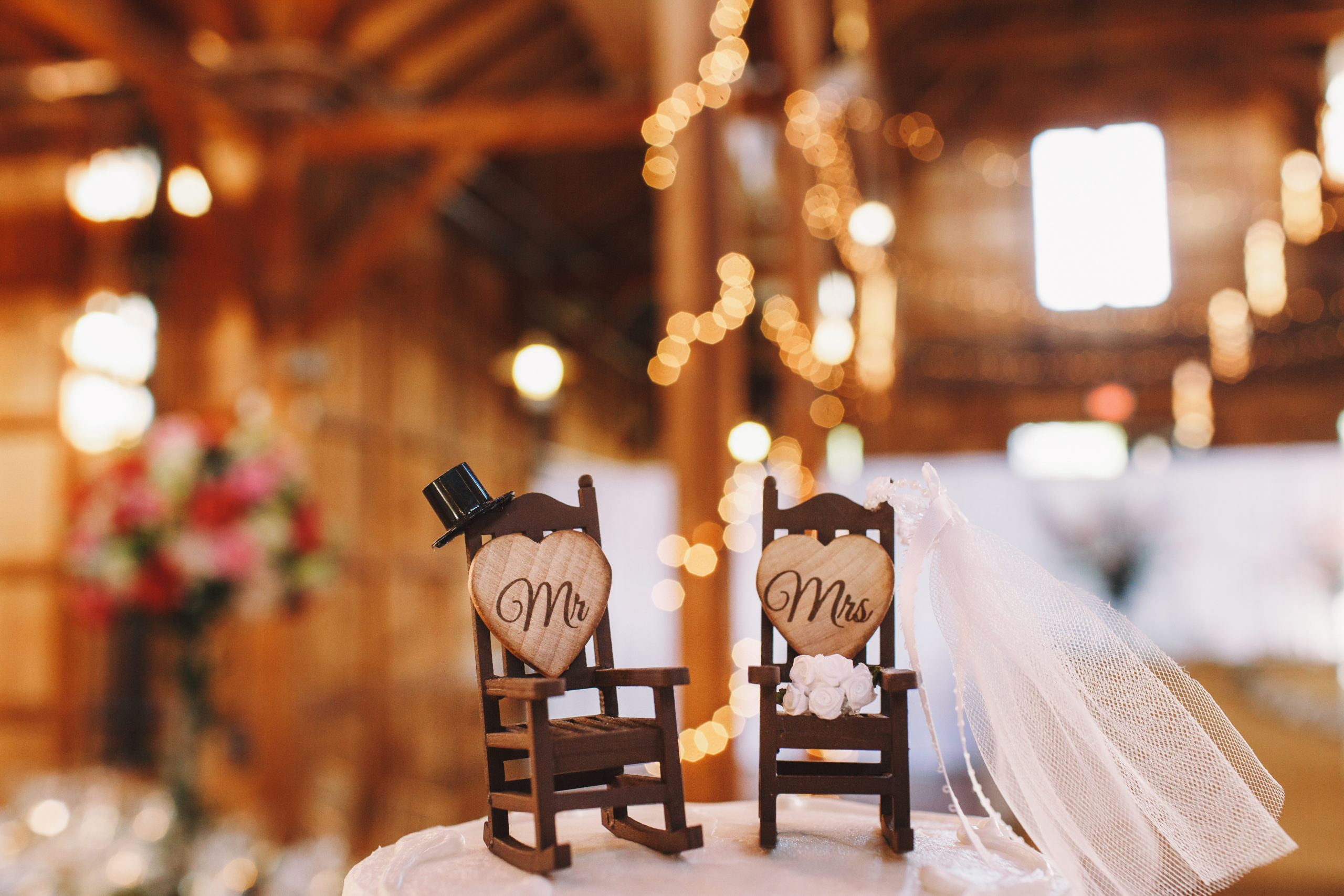 Wedding cake decor made in the for of two rocking chairs